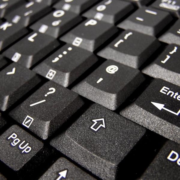 Accuratus K82A keyboard close up of keys