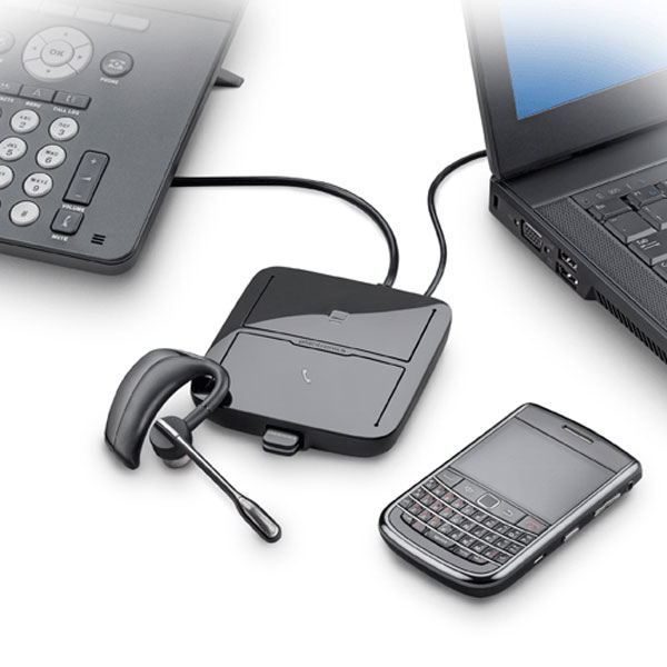 Plantronics MDA200 USB Hub connected to bluetooth headset